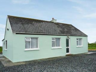 GOLF CLUB VIEW, detached bungalow, views of golf course, near Doonbeg, Ref 24485, Gortaclare