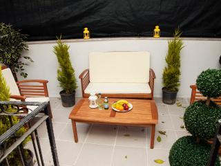 TAKSIM ULTRA VIP APARTMENT -GARDEN SUITE-4 BEDROOM, Estambul