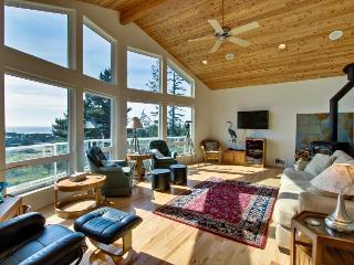 Dog-friendly house w/ ocean & mountain views - easy beach/park access, game room