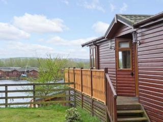 LAKE VISTA LODGE, onsite facilities, lake views, parking, in South Lakeland Leisure Village, Ref 24769, Kendal