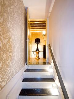 Steps to gold powder room