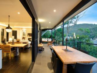 THE DECK at Berowra Waters - A luxury waterfront g