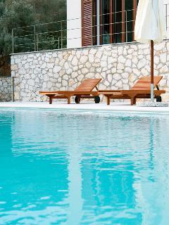 Luxury villa steps from the beach, villa Christina
