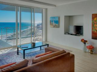 Horizon Bay 2 bedroom Beachfront Apartment, Cape Town Central
