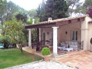 Villa de style antillais 20 minutes de Nice. AZR 062, La Celle-sous-Gouzon