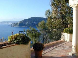 Ocean View, Built into a Rock Face, Stunning 5 Bedroom Home, Théoule-sur-Mer