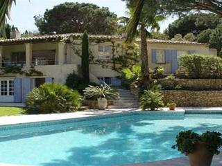 Quiet area near Club 55 and Pampellone Beach. AZR 338, Le Plan-du-Var