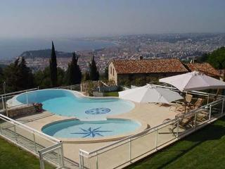 Unique pool, overlooking the ocean. AZR 296, Cannes