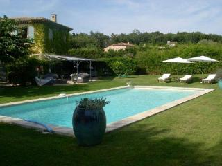 Short drive to Pampellone beach- ideal for a party. AZR 328, Le Plan-du-Var