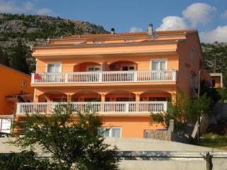 Amari apartment w Stunning Views, Starigrad-Paklenica