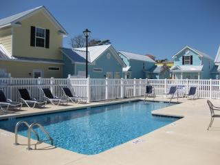 2-bedroom townhome in Myrtle Beach, 2 bk to beach