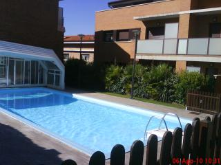 Apartment with garden and heated swimming pool, Navarra