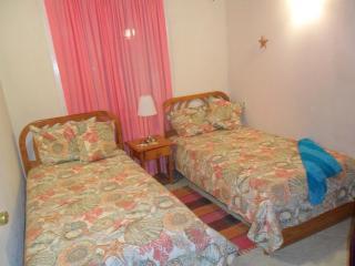 Bedroom #2 (Twin Beds)