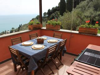 Penthouse with Garden Terrace Sea View and Parking-Zoagli