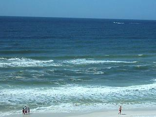 2bed/2 bth Gulf Front Condo. 4th Floor FREE BEACH SERVICE!!!!