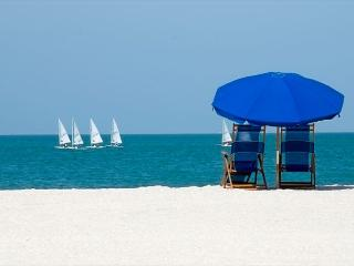 Have two couples? This two bedroom unit is perfect for you., Fort Walton Beach