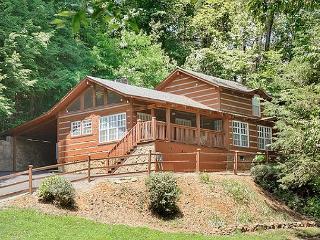 Smoky Mountain Cabin  BLACK BEAR COVE 624, Gatlinburg