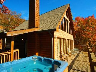 6 Bedroom Mountain View Cabin with Hot Tub, Pool Table, Close to Downtown, Gatlinburg