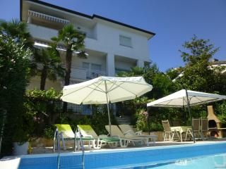 A1 - apartment with pool, Opatija