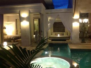 Bali Kmea Villa, 3 bdr poolvilla Seminyak : 220$+