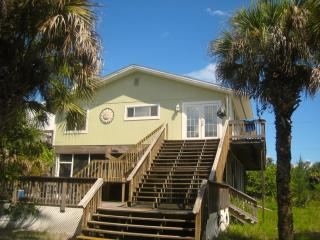 Peeks Paradise:  Spacious Family Beach House, Little Gasparilla Island