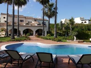 Villa in La Cerquilla 51878, Marbella