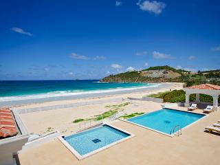 Casa Sunshine... beachfront vacation rental on Guana Bay, St Maarten