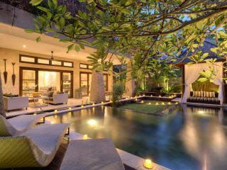Villa AMAN~PUTRI  ~ Luxury The Sea ~ SUBERB BEACHSIDE LOCATION in Seminyak