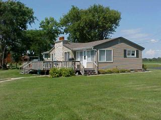 3 Bdrm, 2 Bath home on Lake Winnebago - Wisconsin