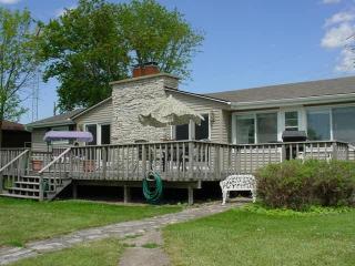 3 Bdrm, 2 Bath home on Lake Winnebago - Wisconsin