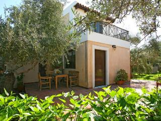Beautiful Villa Elea, seaside-Crete, La Canea