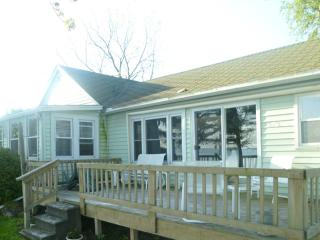 Lake Ontario Cottage-60 mins Niagara Falls     #RO, Lyndonville