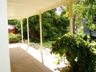 Oakhurst Cottage FarmStay, Deepwater