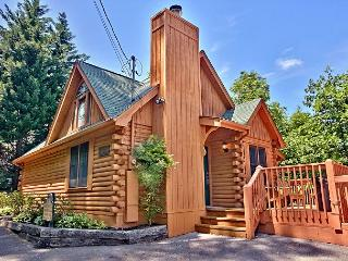 Beautiful One Bedroom Wears Valley Log Cabin with Smoky Mountain Views, Sevierville