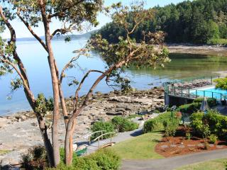 Affordable Oceanfront Beauty. Luxury Awaits You!, Nanaimo