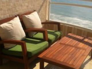 SeaView, luxury, large, beachfront, dream balcony, aluguéis de temporada em Distrito Central