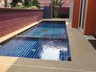 5 bedroom, private pool, big livingroom, Pattaya