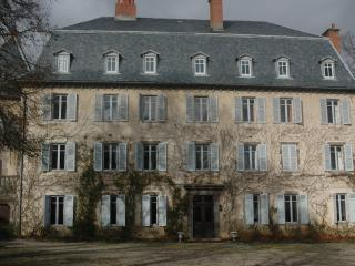 CHATEAU DE LUC, BED AND BREAKFAST ACCOMMODATION