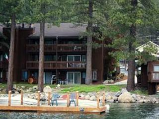 Beautiful Condo on Donner Lake with Private Beach, Truckee