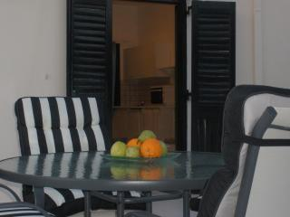Lovely  Apartment, 100 meters  from the sea, Kokkini Hani