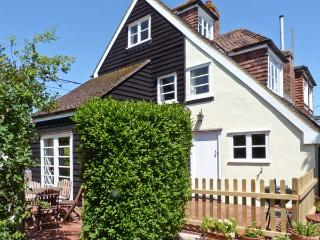5 FORGE COTTAGES, pet-friendly, character features, woodburner, in Herne, Ref. 1