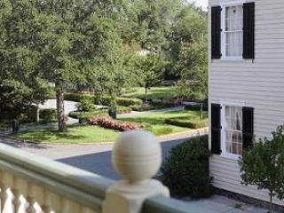 Luxury Living Savannah - Washington Square House