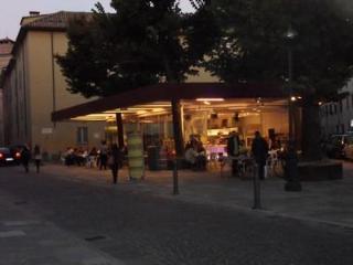 piazzale Bertozzi-bar letterario