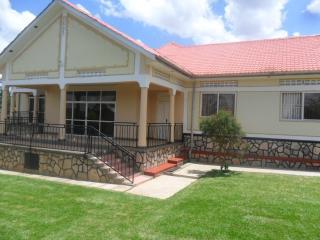 SERENITY HOUSE HOLIDAY HOME, Naluvule,  KAMPALA, Uganda - your haven!