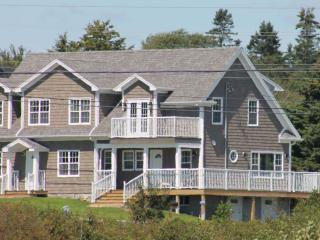 The Sandpiper   - Ocean view in quality accomodation, Nova Scotia