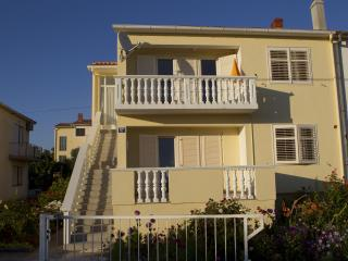 CVITA 1- spatious 2 bedroom near Borik beach
