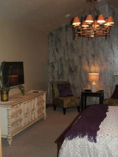 Master bedroom, full size dresser.