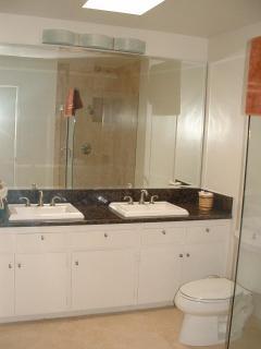 Roomy 2nd full bath
