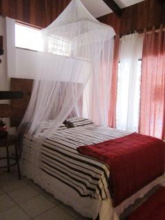 First room - Rojo cuarto