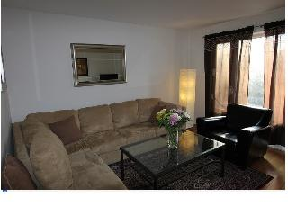 Upper Beach 3 Bedroom Suite, Toronto